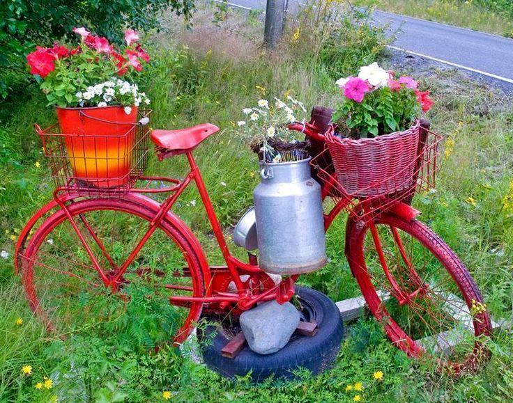 20 свежих идей для использования старого велосипеда в дизайне сада