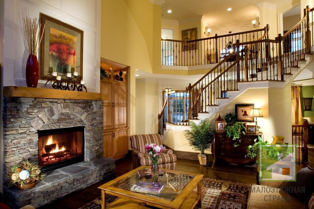 Что нужно знать при оформлении дизайна гостиной в доме с камином