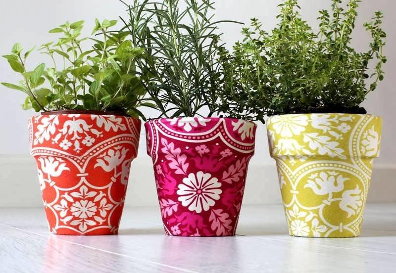 Декор цветочных горшков: как оригинально украсить интерьер с помощью подручных материалов