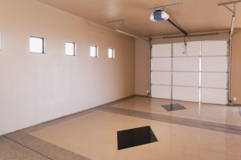 чем отделать потолок в гараже