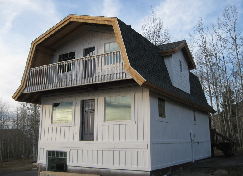 красивые крыши 2 этажного дома