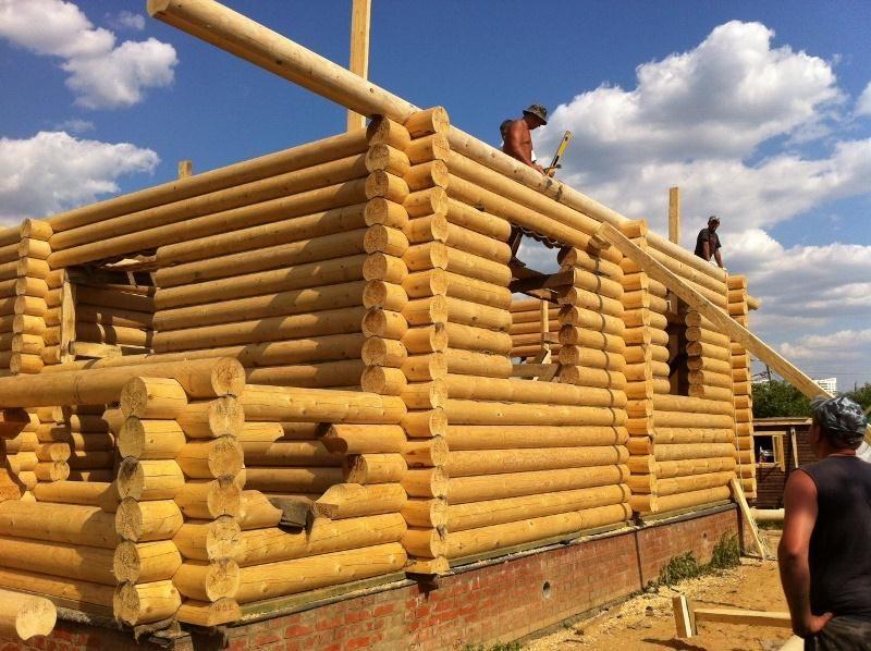 Строительство дома из оцилиндрованных бревен