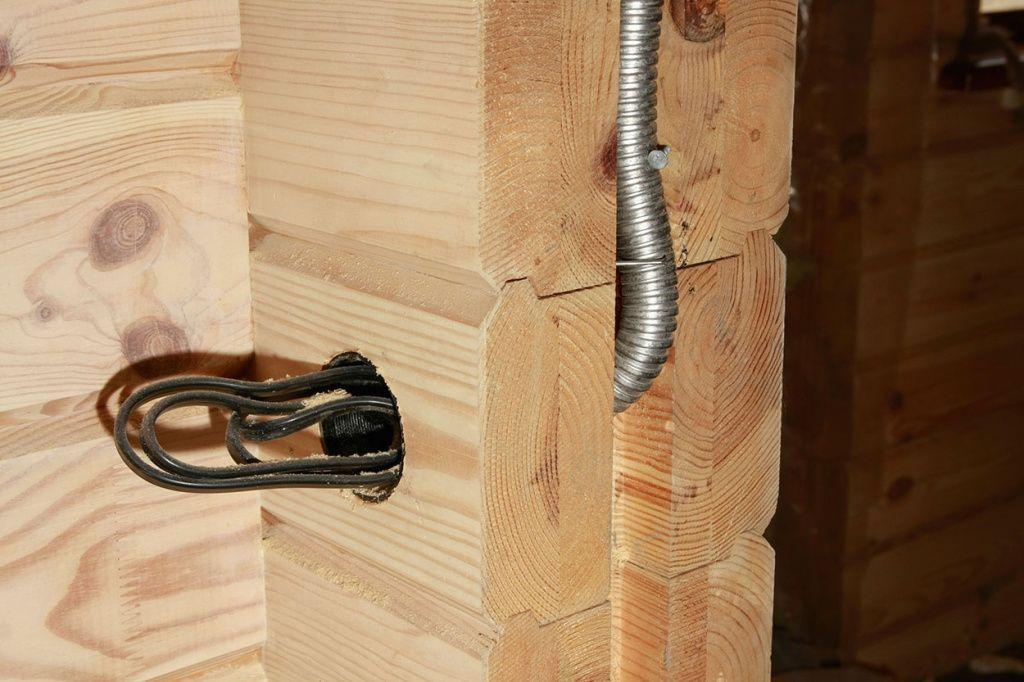 скрытый электромонтаж в деревянном доме