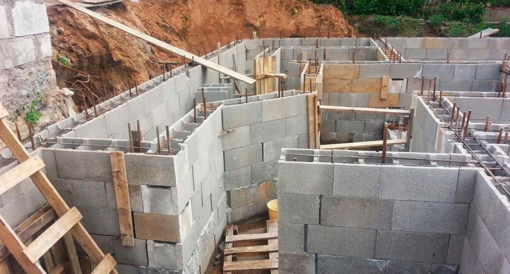 несъемная бетонная опалубка для фундамента
