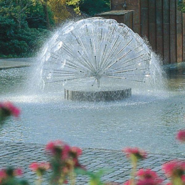 фонтан для пруда на даче