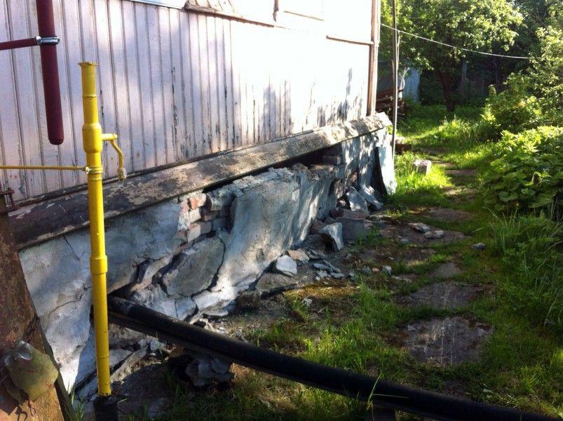 Поврежденный фундаент грозит полным разрушением здания