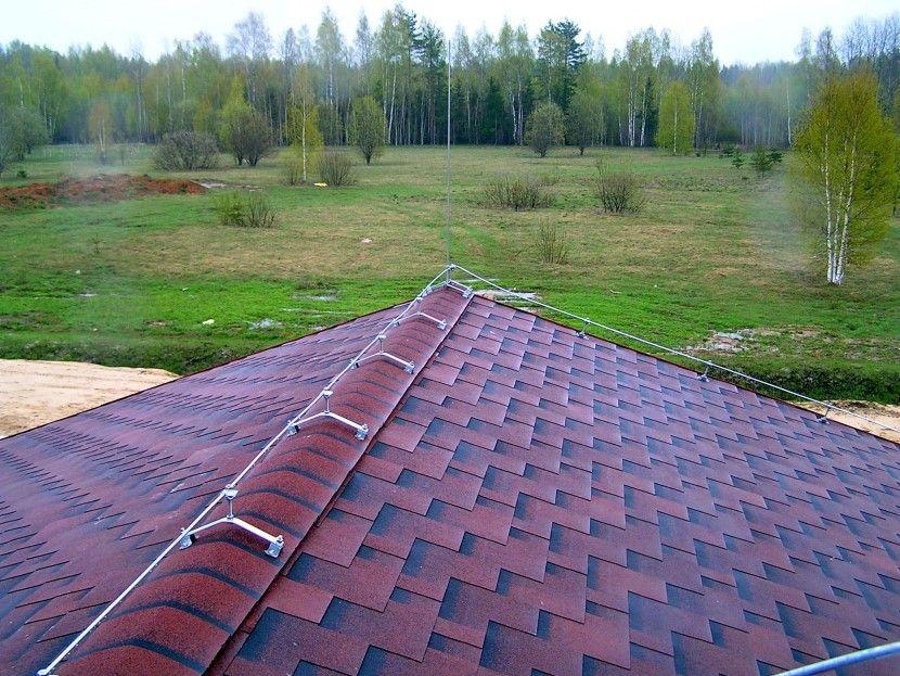 молния защита двухскатной крышей производства