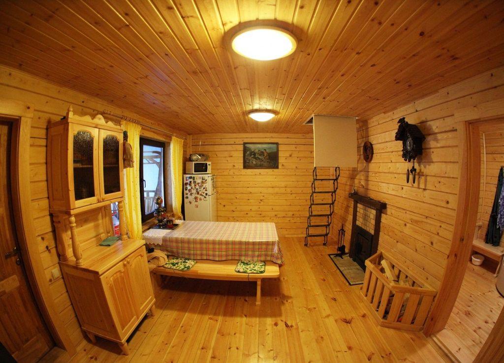 баня с комнатой отдыха и спальней