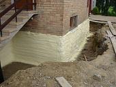 kak-i-chem-uteplit-fundament-doma-snaruzhi-tekhnologii-materialy-sovety-27978.jpg