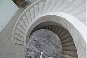 kak-zalit-lestnitsu-iz-betona-na-vtoroy-etazh-dlya-kryltsa-ili-podvala-svoimi-rukami-360699.jpg