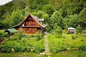 derevenskiy-dom-pravilnoe-oformlenie-interera-28059.jpg