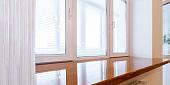 Можно ли красить пластиковые окна и чем, выбор краски, подготовка к окрашиванию, технология нанесения - 12 фото15