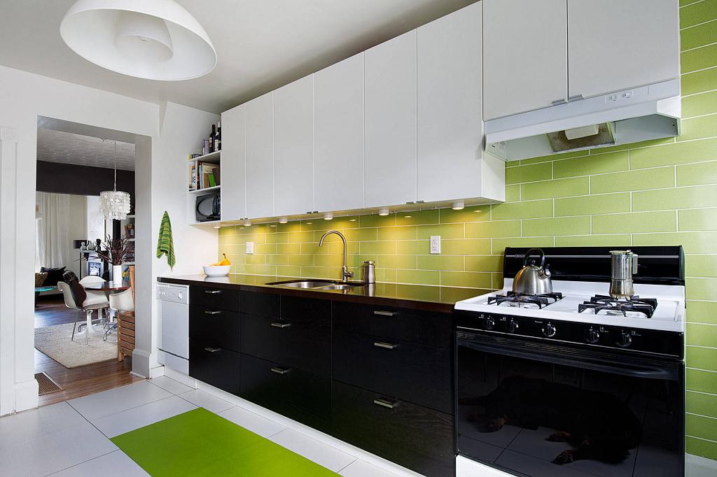 Кухня с темным низом и светлым верхом: как комбинировать цвета
