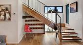 Мраморные лестницы в интерьере, достоинства и недостатки материала, возможности декорирования - 19 фото22