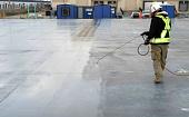 kak-ukhazhivat-za-betonom-v-letnee-i-v-zimnee-vremya-tekhnologiya-i-sredstva-506834.jpg