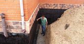 Винный погреб в частном доме, дизайн, материалы отделки для стен, пола и потолка, идеи обустройства - 29 фото18