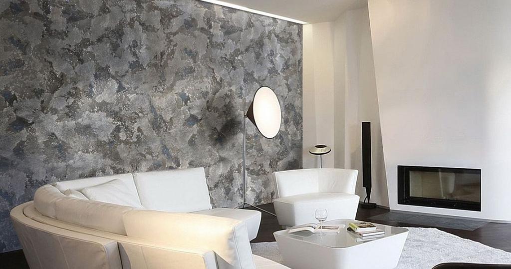 Декоративная штукатурка для внутренней отделки стен: виды, особенности и варианты интерьеров