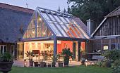 steklyannaya-krysha-doma-osobennosti-ustroystva-materialy-i-tekhnologiya--68210.jpg