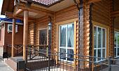 otdelka-fasada-derevyannogo-doma-primenyaemye-materialy-i-tekhnologii-44144.jpg