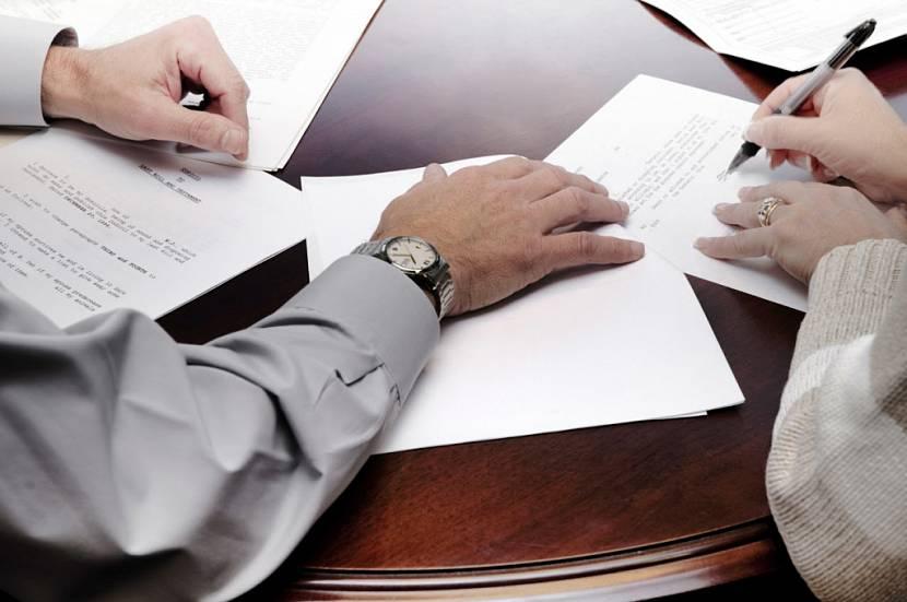 Идеально – пригласить для составления иска юриста