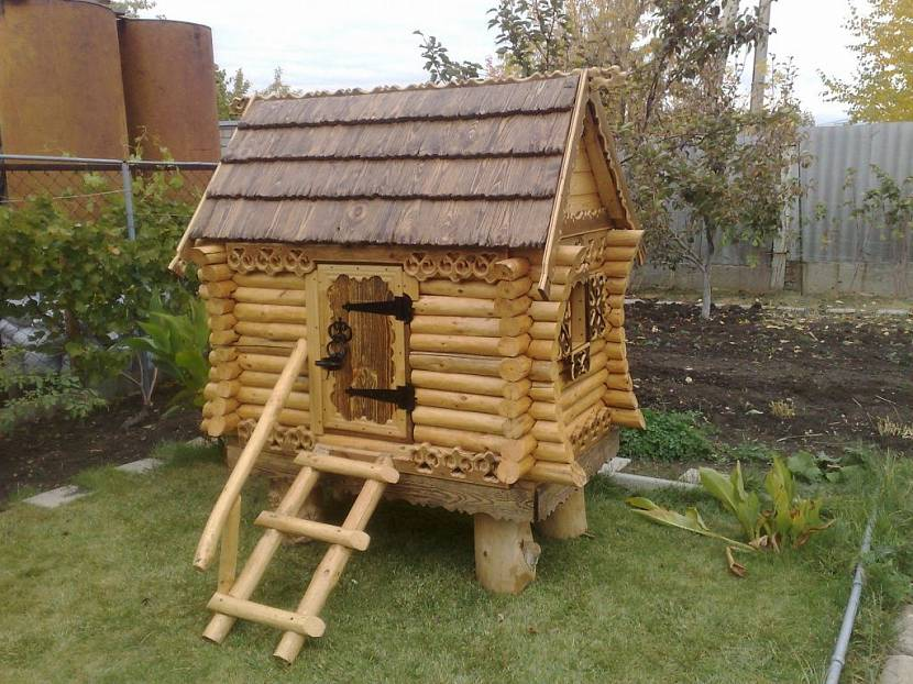 построить детский домик