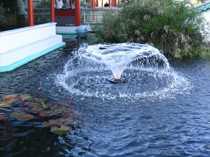 фонтан для пруда