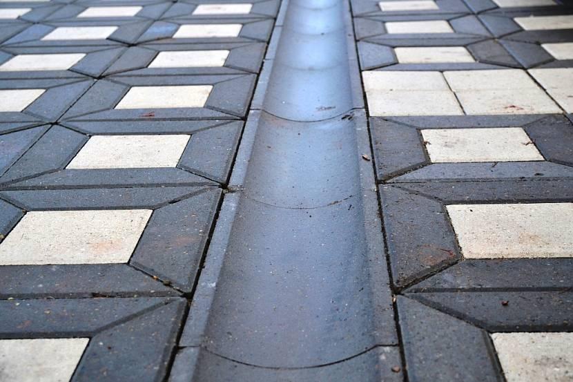 бетонный желоб