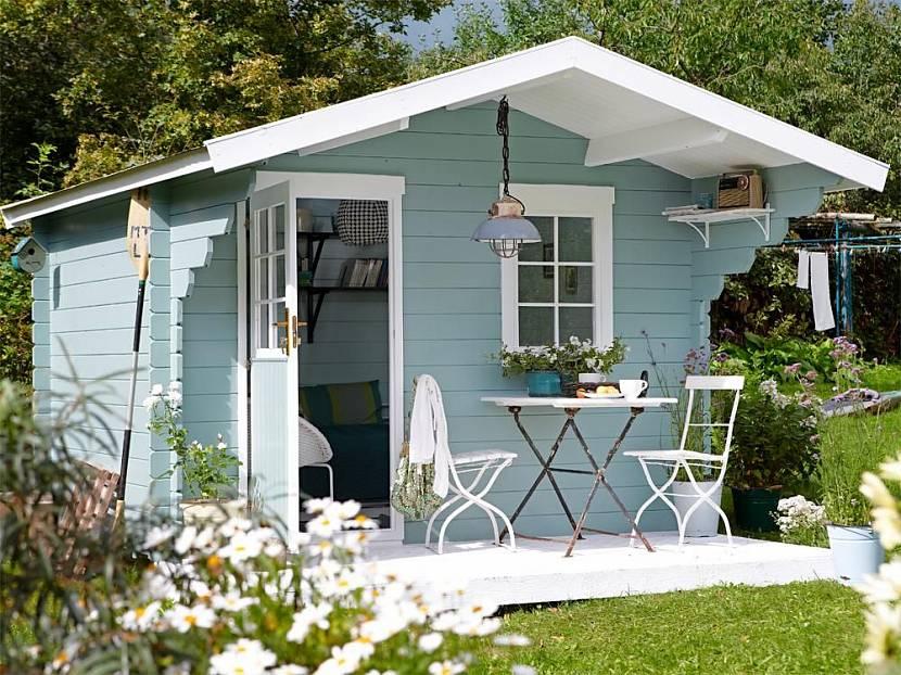 Летний гостевой домик можно построить быстро и дешево