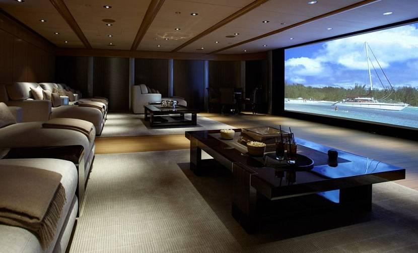 Домашний кинозал в коттедже