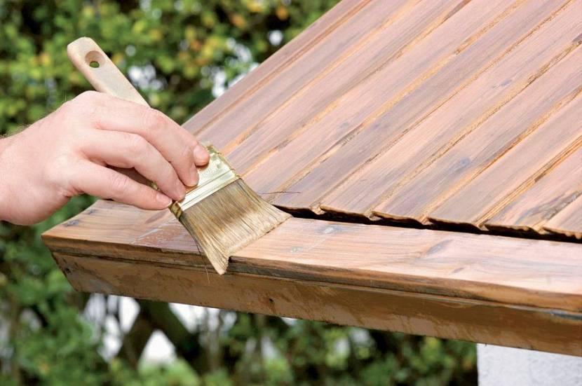 Рекомендуется покрыть древесину антисептиками и антипиренами