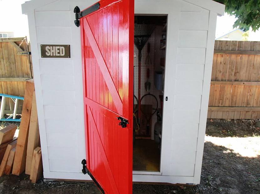 металлическая дверь для сарая