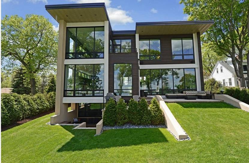 отделка фасада дома в стиле хай-тек