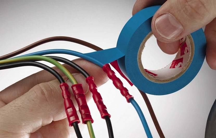 Все провода нужно соединять правильно