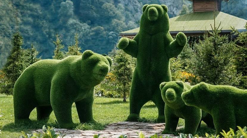 садовые фигуры из искусственной травы