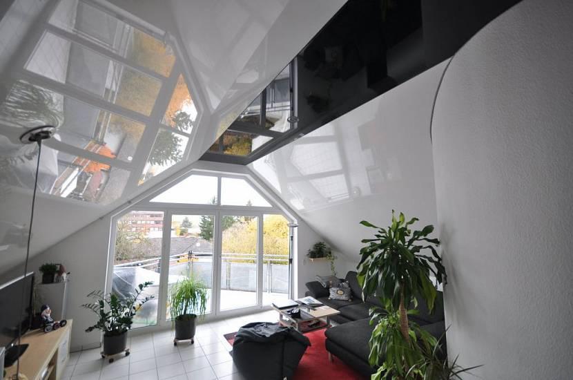 чем отделать потолок в мансарде