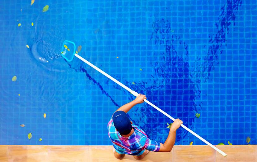 чем очистить воду в бассейне на даче
