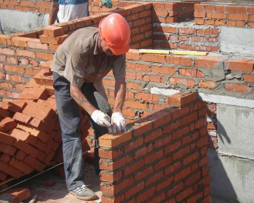 построить кирпичный гараж