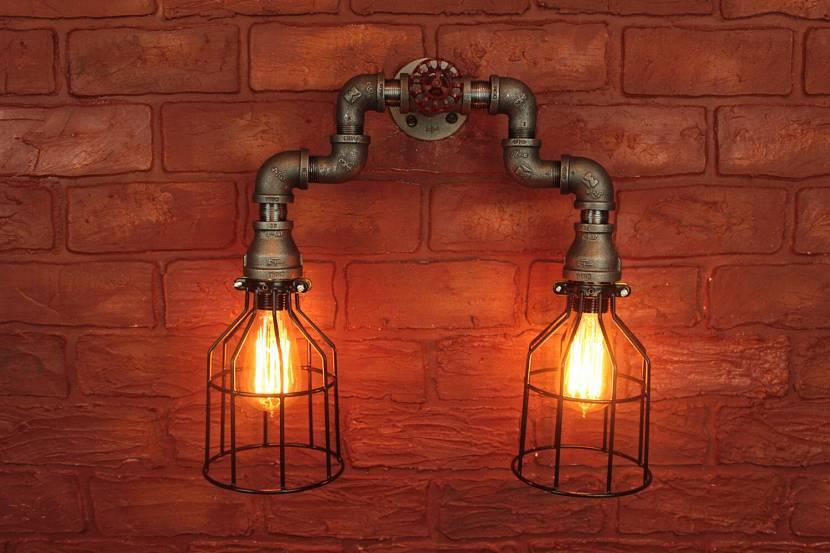 Настенный светильник в стиле стимпанк