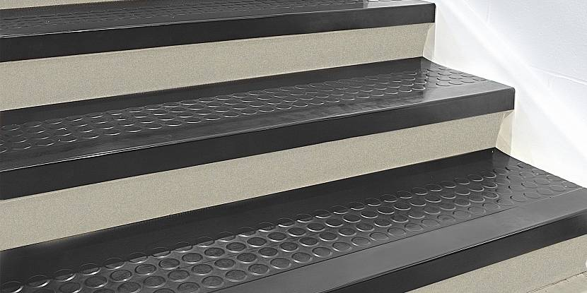 Резина на лестничные ступени