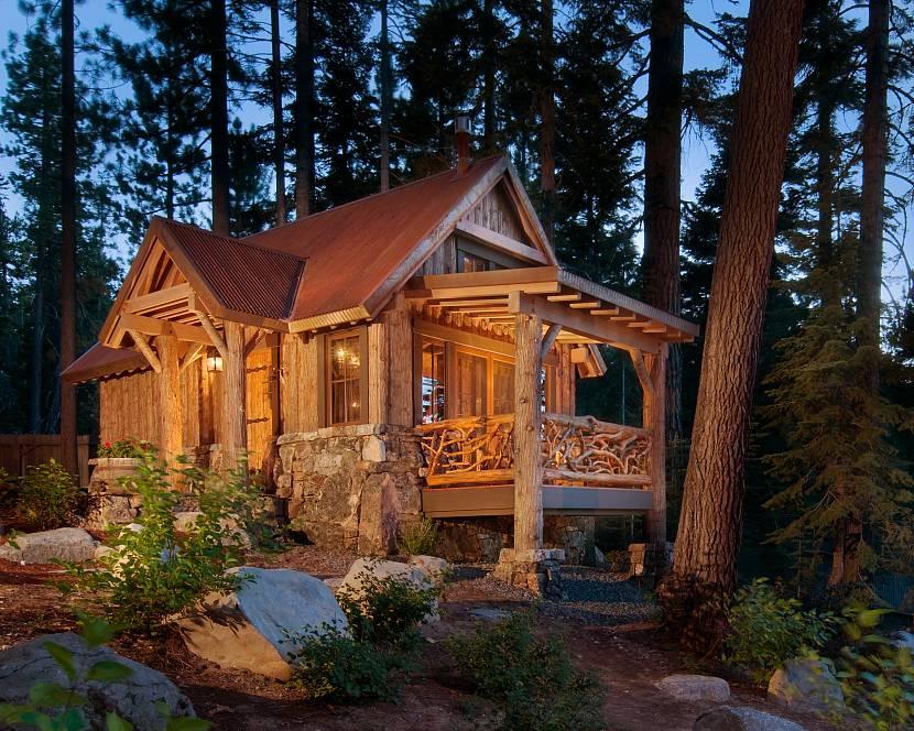 Дачный домик на склоне