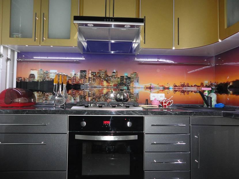 Кухонные фартуки с картинками