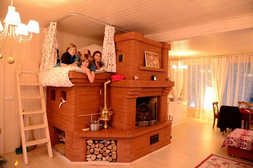 Русская печь с терракотовой плиткой