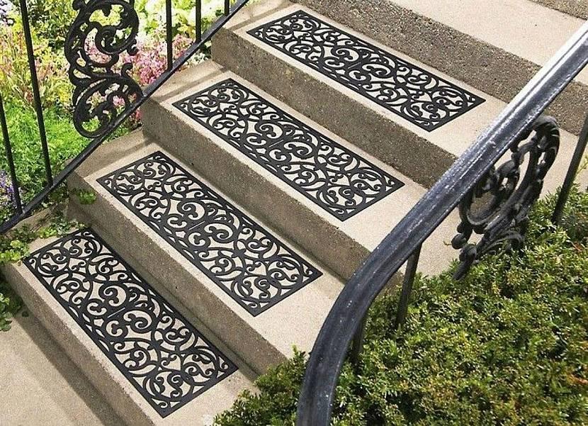 Резиновые дорожки для лестницы