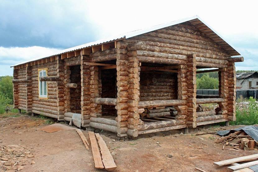 Дом из неокоренного бревна для сдачи в аренду