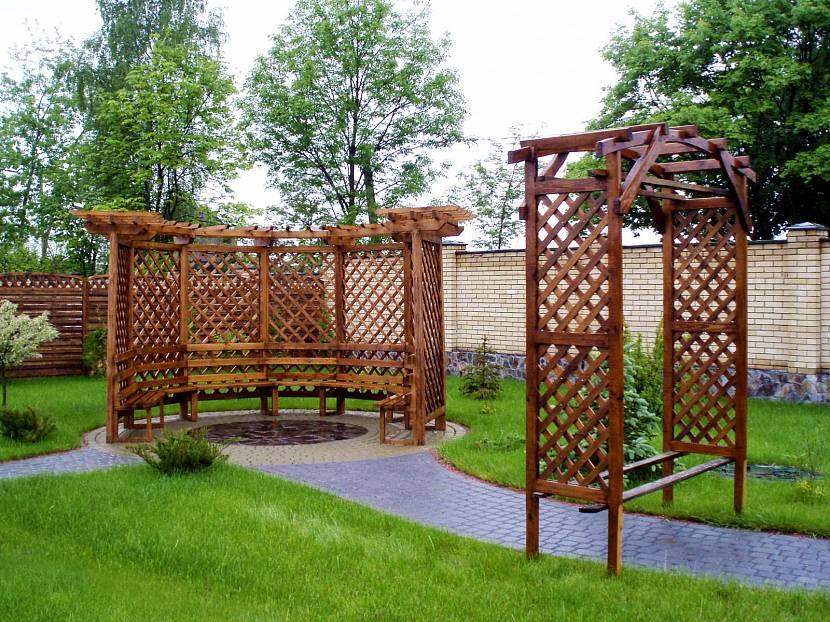 Беседочная арка для декоративного винограда