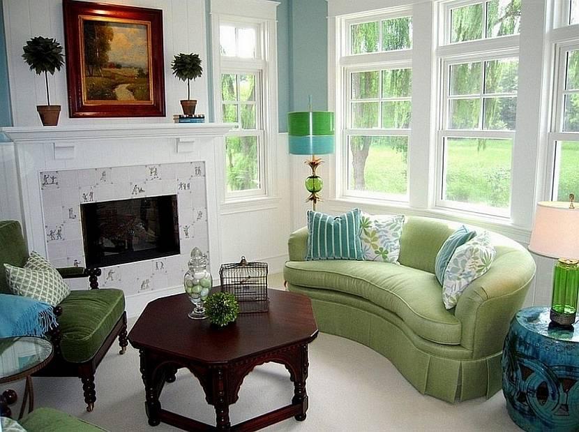 Уютный интерьер с салатовым диванчиком