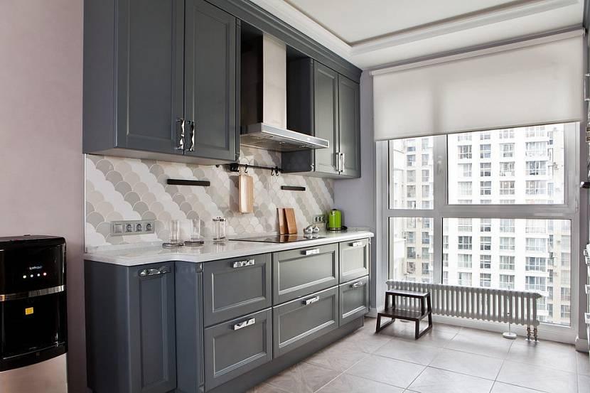 Плотные рулонные шторы на кухню