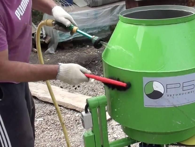 По окончанию работ агрегат тщательно моют