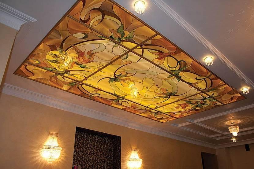 Витраж на потолок с подсветкой