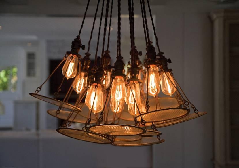 Пучок лампочек вместо люстры